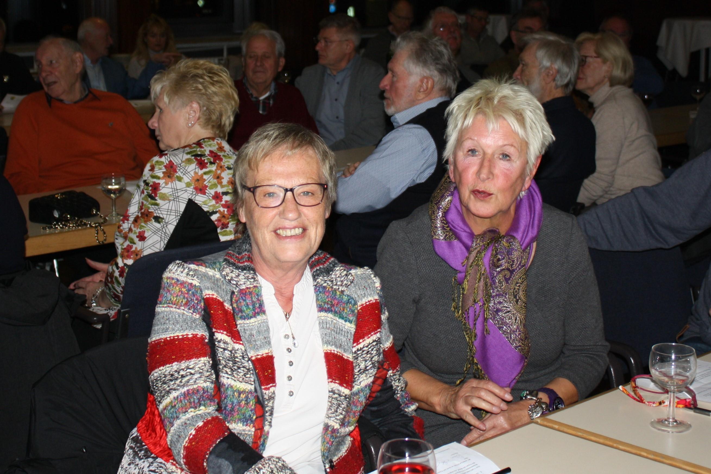 Gewählte Kasenprüferinnen Renate Schallenberg (li) und Christel Mpouma